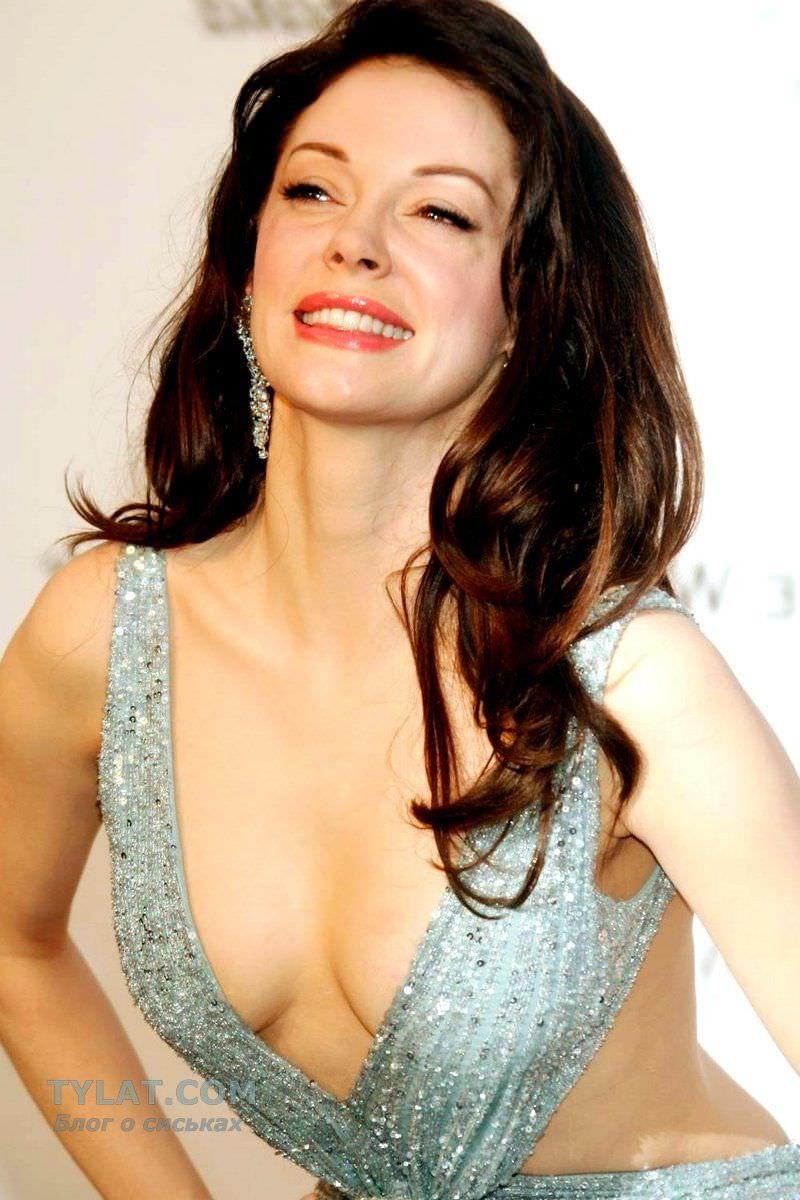Роуз Макгоуэн фото в блестящем платье