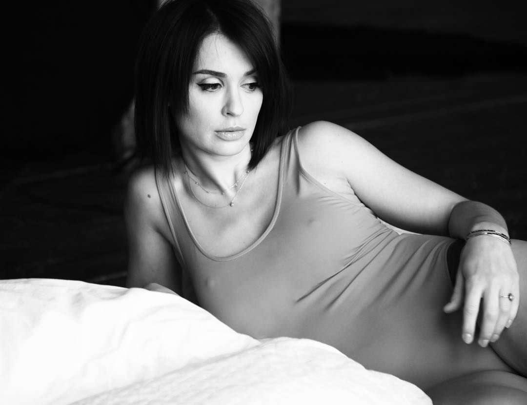Ирина Муромцева фото на постели