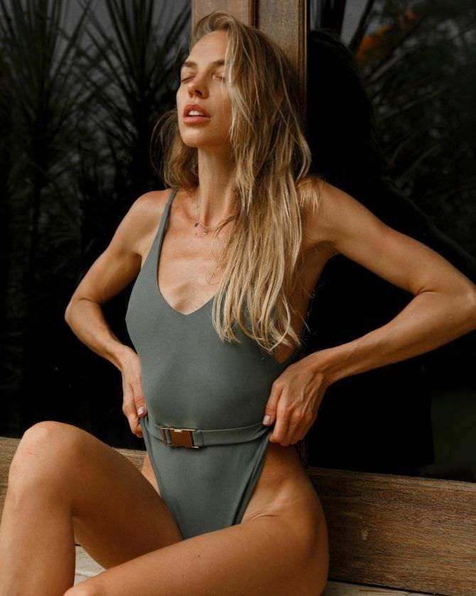 Надежда Сысоева фотография в купальнике из инстаграма