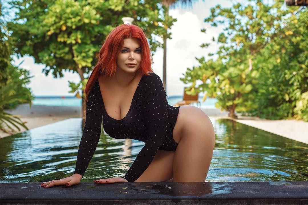 Юлия Рыбакова фото в воде