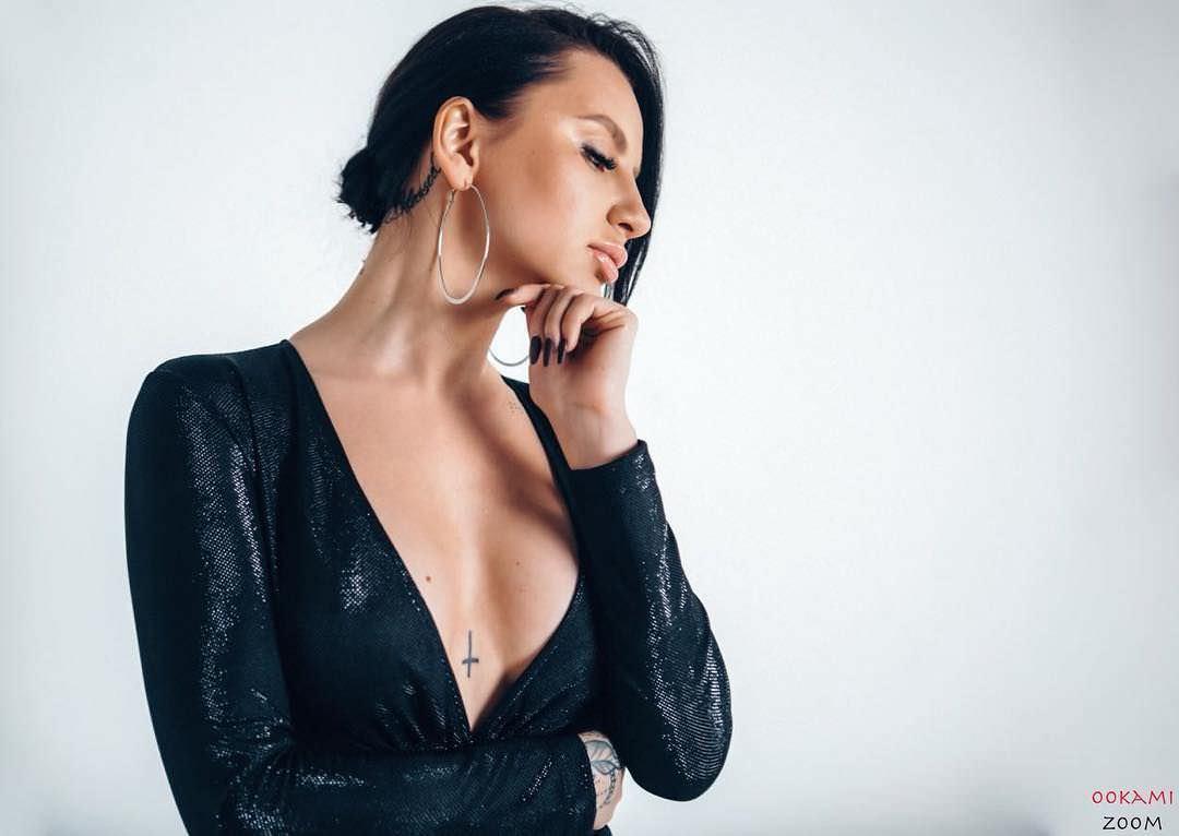 Анна Дзюба фото в платье