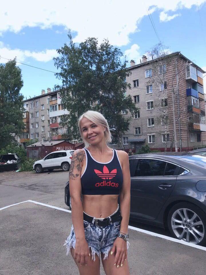 Любовь Томская фото на улице