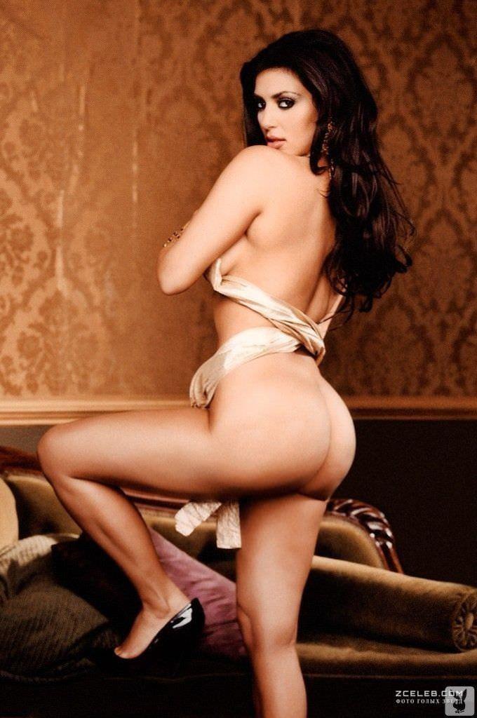 Ким Кардашян фото со спины