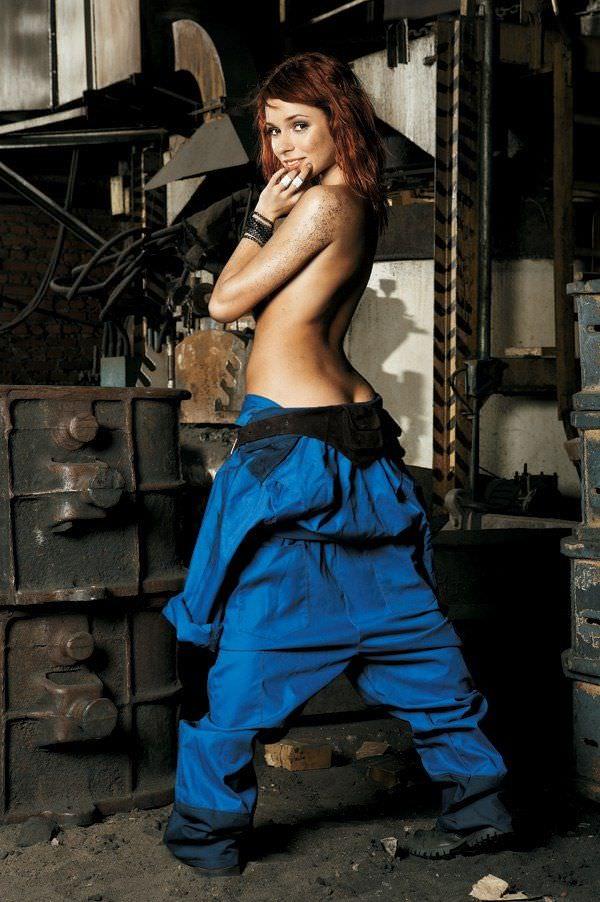 Ирена Понарошку фото со спины