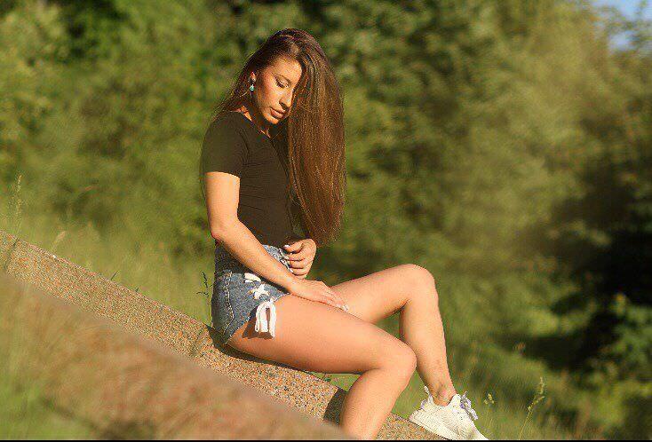 Ольга Подолян фото в коротких шортах