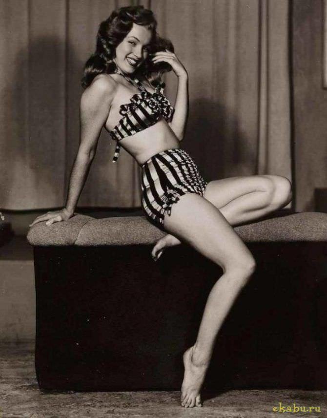 Мэрилин Монро фотография в молодости в купальнике