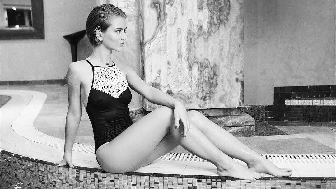 Елизавета Кононова фото у воды