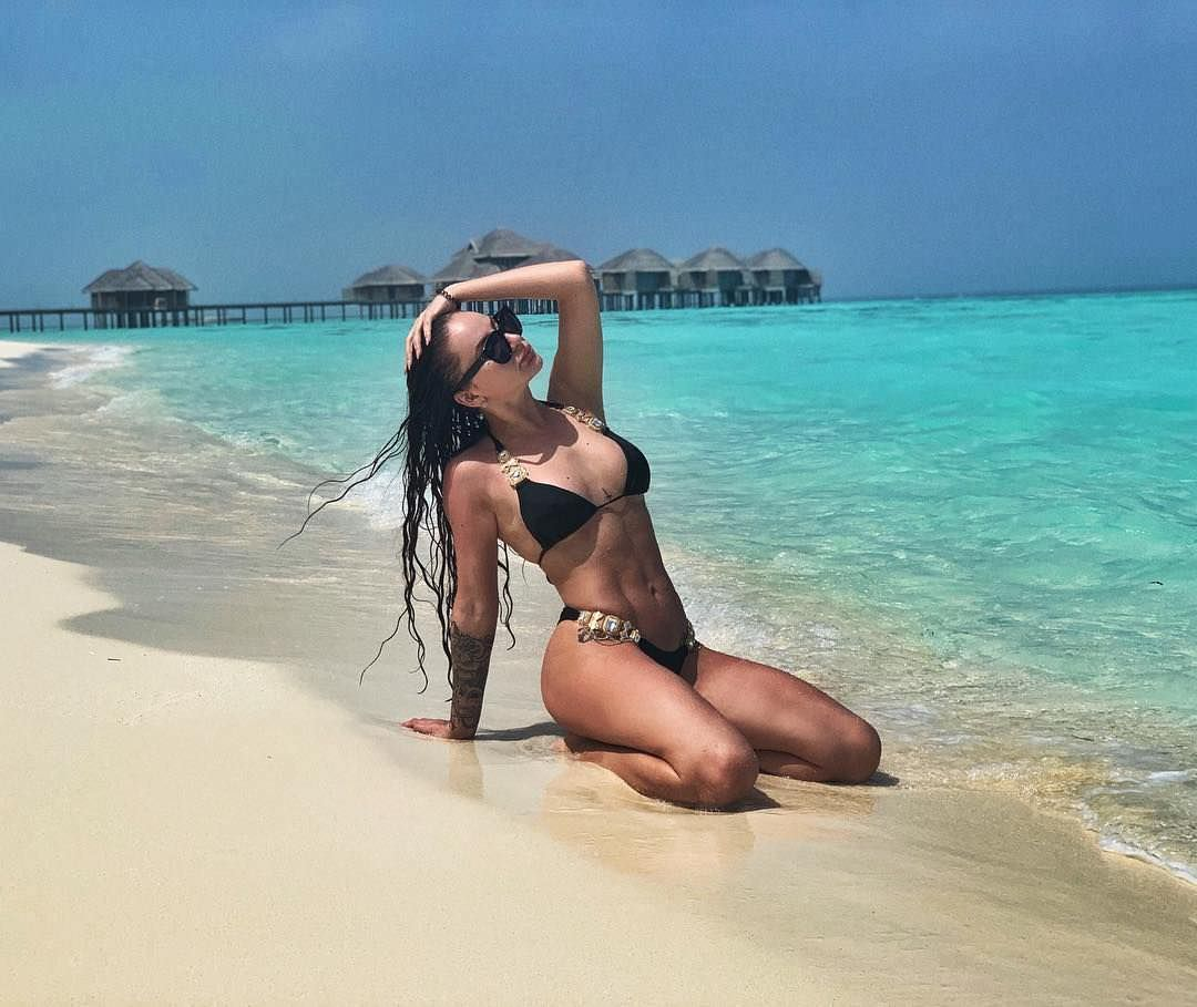 Анна Дзюба фото на пляже