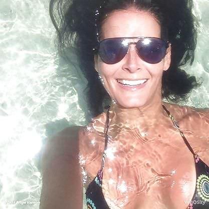 Энджи Хармон фото в воде