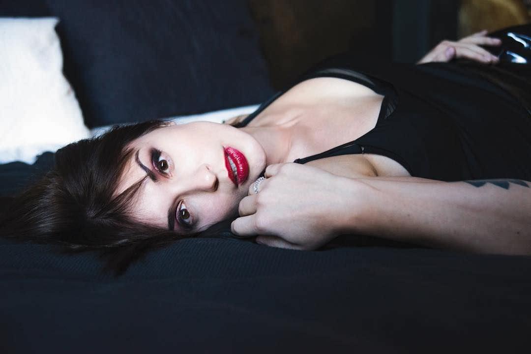 Ирина Муромцева фото с ярким макияжем