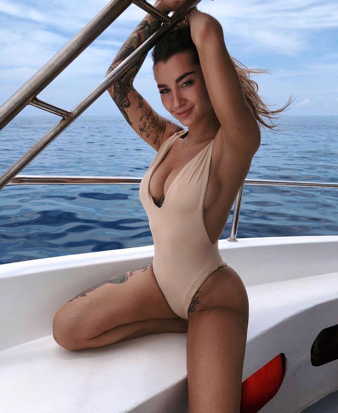 Анжелика Андерсон фото на яхте