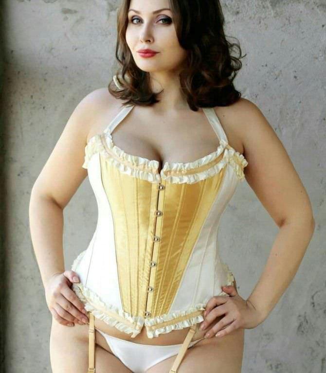 Светлана Каширова фотография в жёлтом корсете