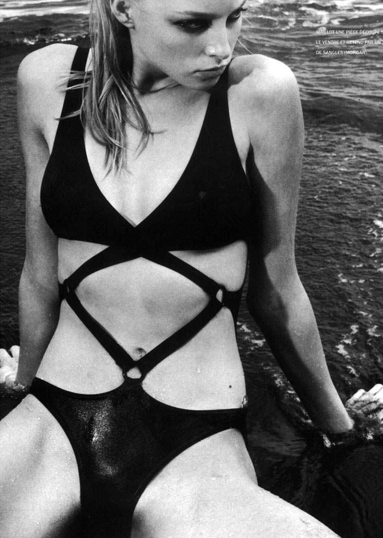 Рэйчел Николс фото на пляже
