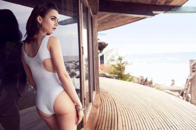 Лили Коллинз фотография в белом купальнике