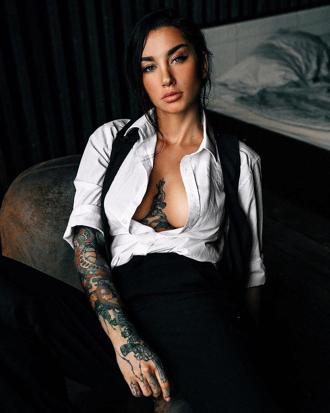 Анжелика Андерсон фото в рубашке