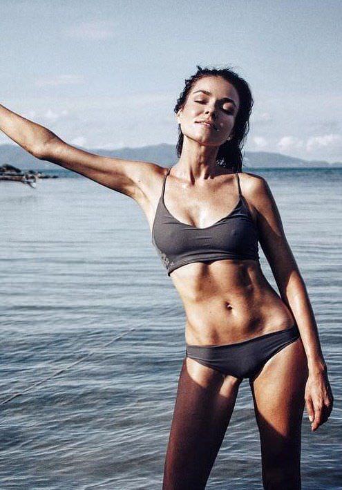 Ирена Понарошку фото в воде