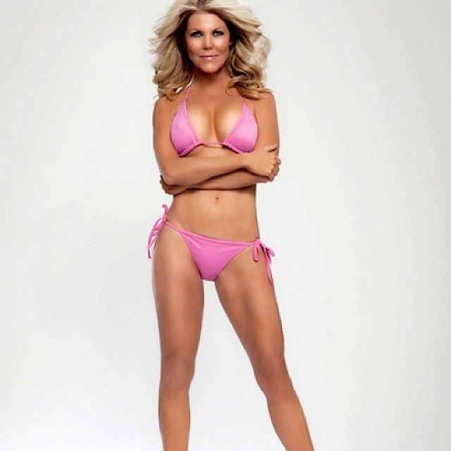 Трэйси Бердсалл фото в бикини в инстаграм