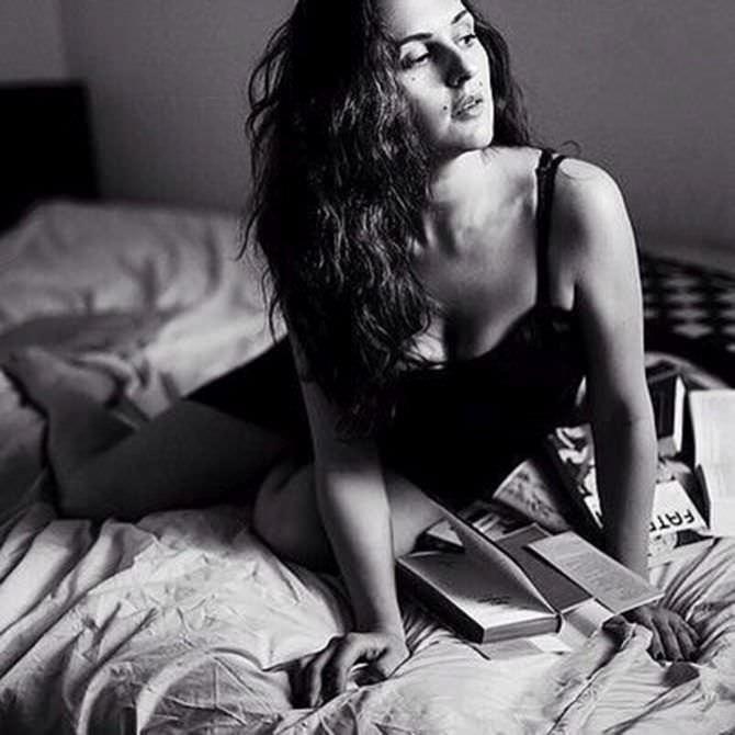 Мария Шумакова фото в постели