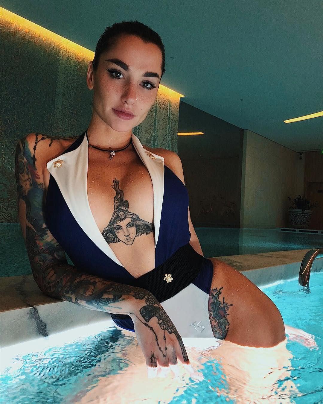 Анжелика Андерсон фото в воде
