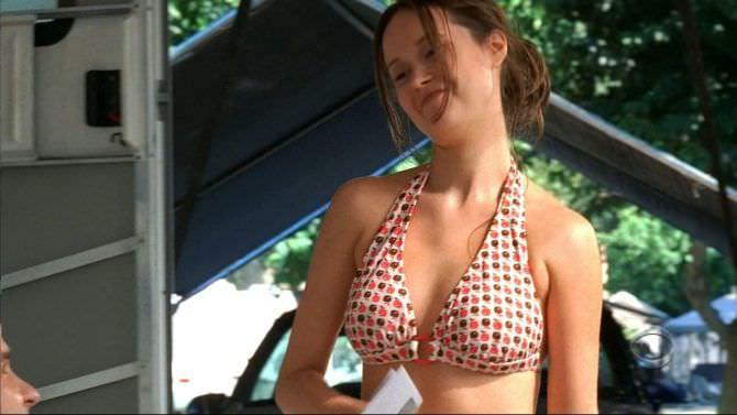 Саммер Глау кадр из фильма в бикини