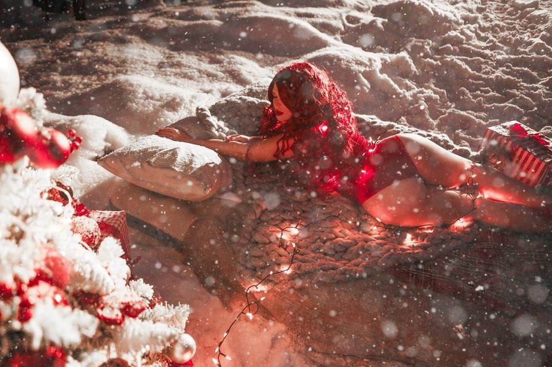 Юлия Рыбакова фото со спины