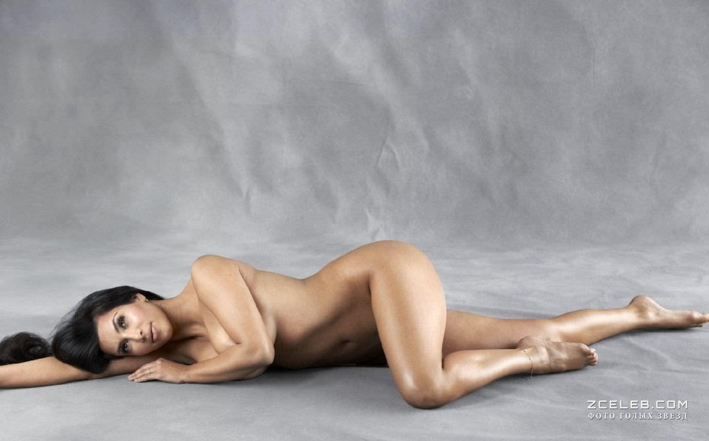 Ким Кардашян фото на полу