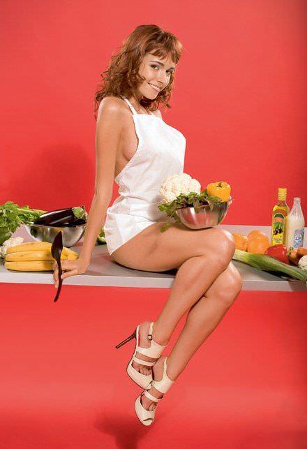 Ирена Понарошку фото на столе