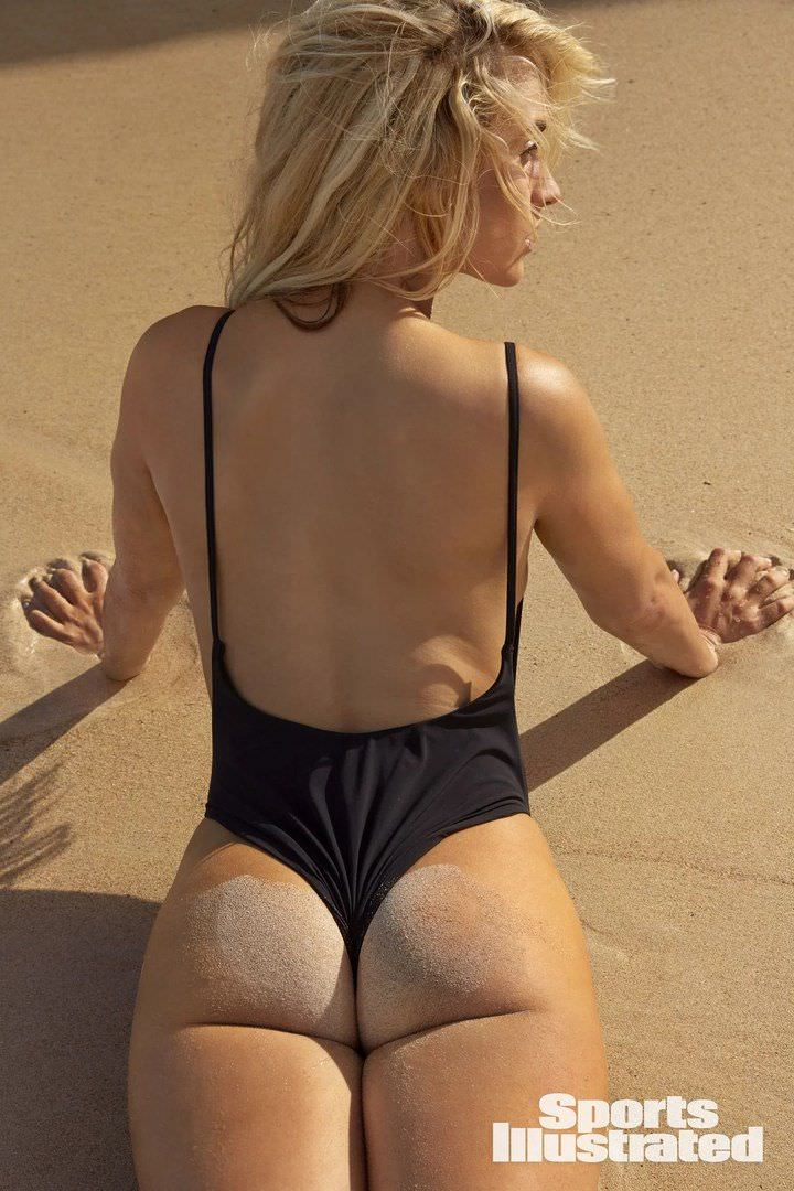 Пейдж Спиранак фото со спины