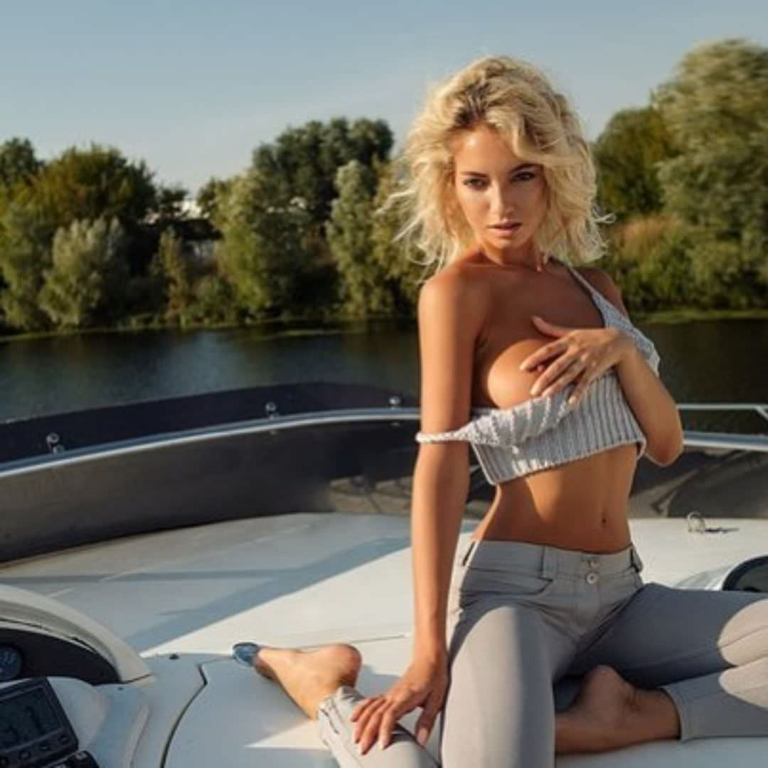 Наталья Немчинова фото на яхте