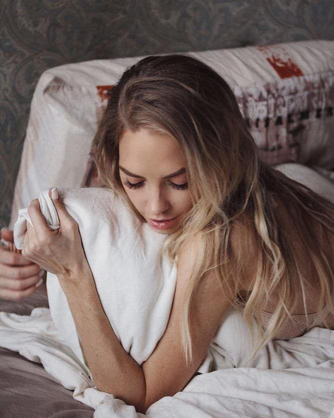 Надежда Сысоева фото в постели в иснтаграм