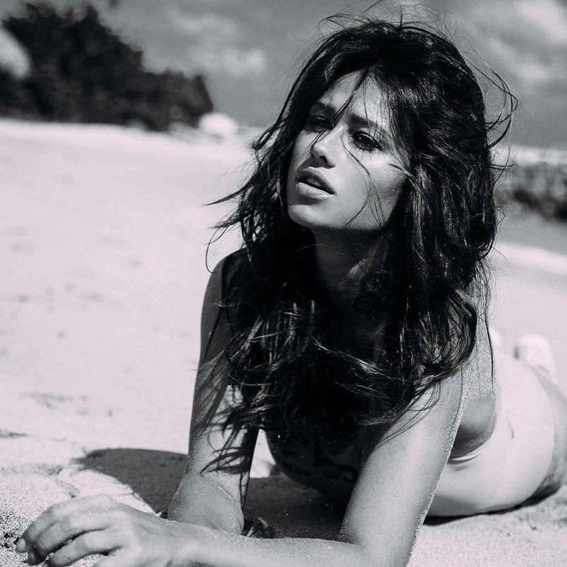 Анна Кастерова фото в бикини