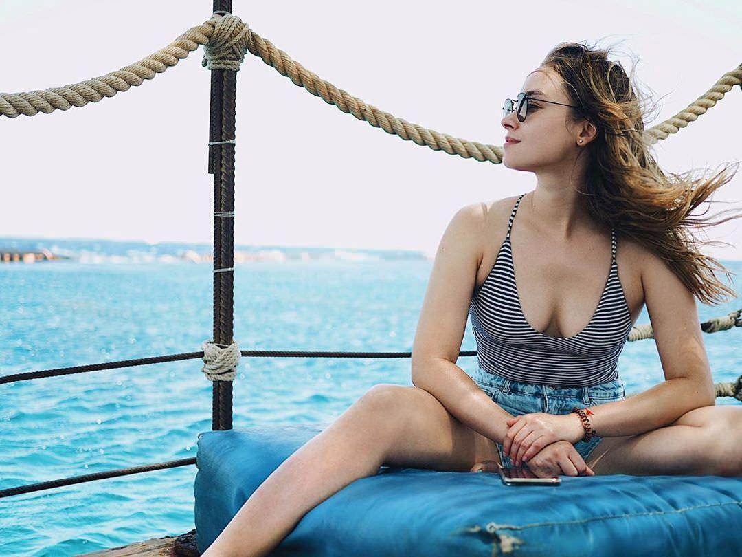 Юлия Маргулис фото в купальнике