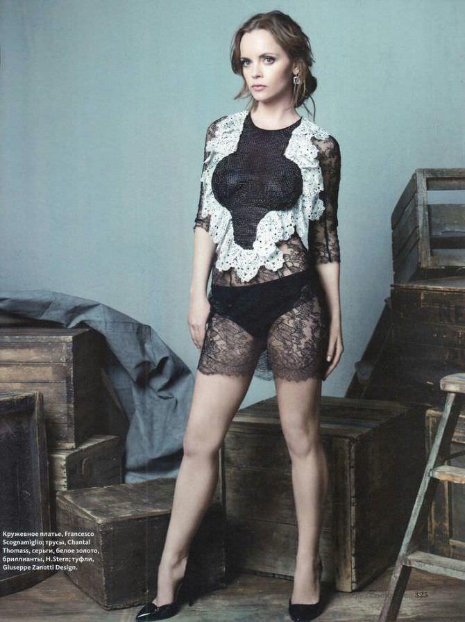 Кристина Риччи фотография в кружевном платье
