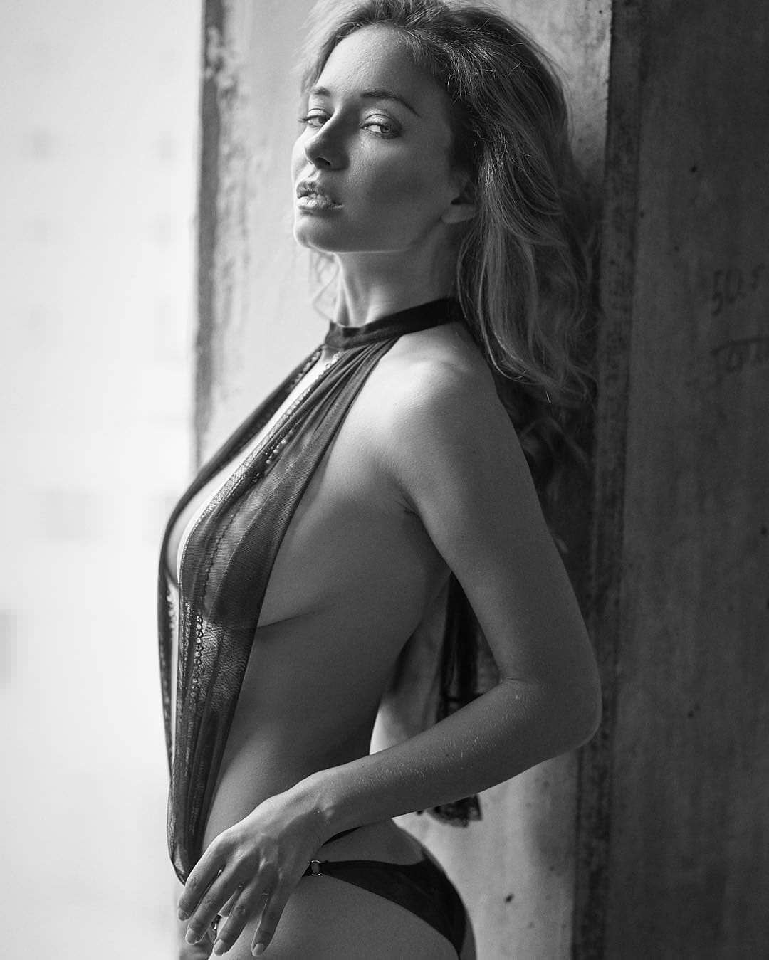 Наталья Немчинова фото сбоку