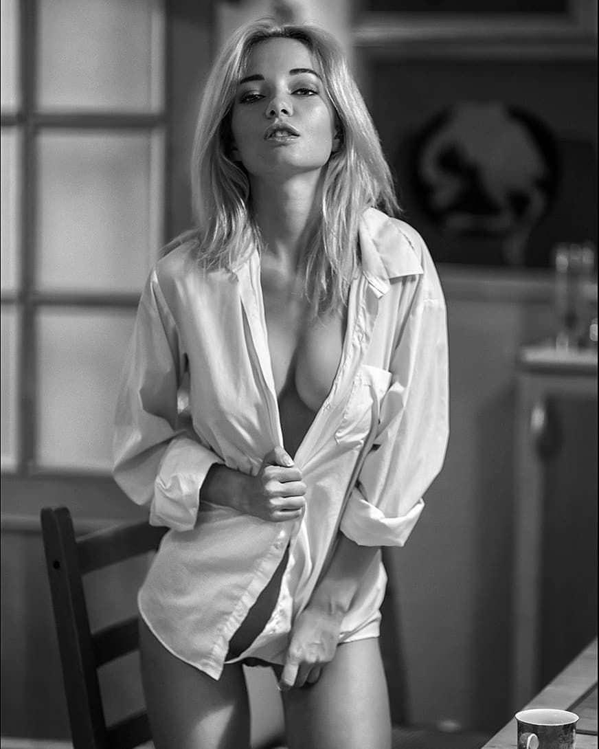 Наталья Немчинова фото в комнате