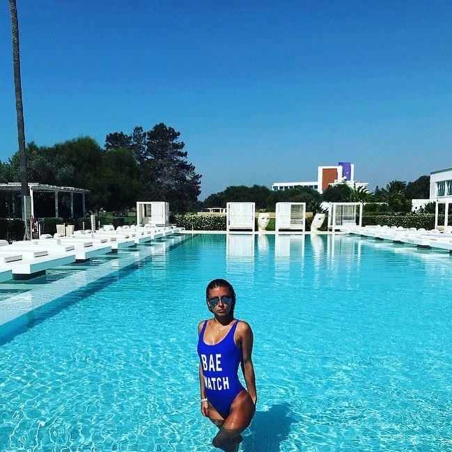 Ольга Подолян фото в слитном купальнике
