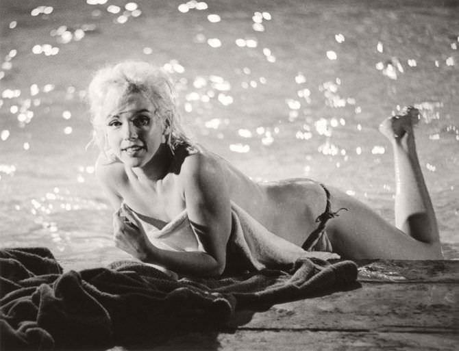 Мэрилин Монро кадр из фильма без одежды
