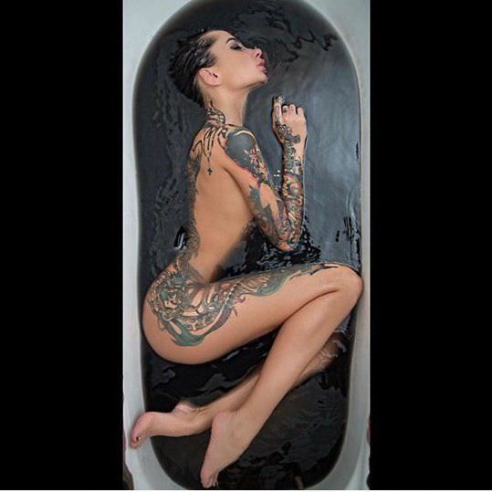 Анжелика Андерсон фото в ванной