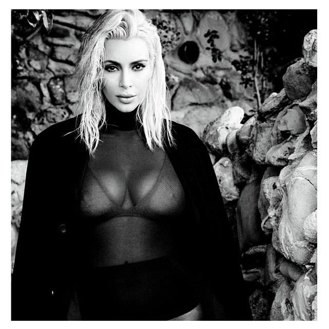 Ким Кардашян фотов прозрачной кофте
