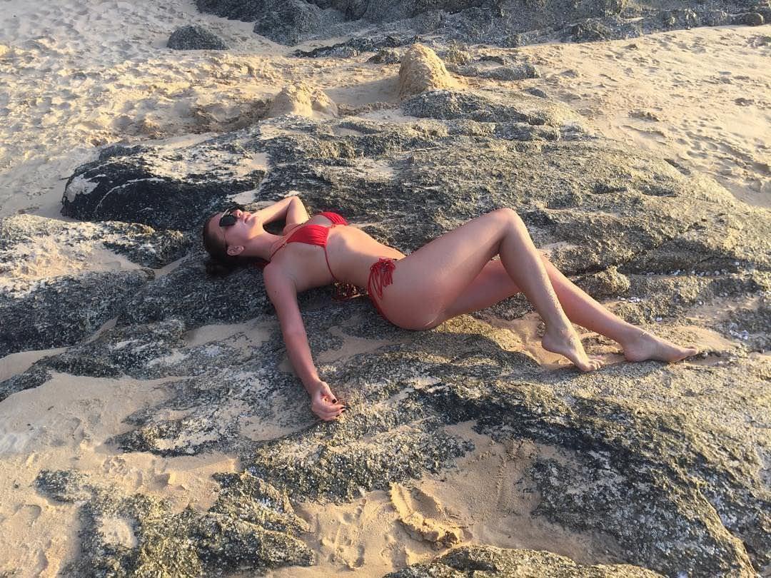 Анна Дзюба фото на песке