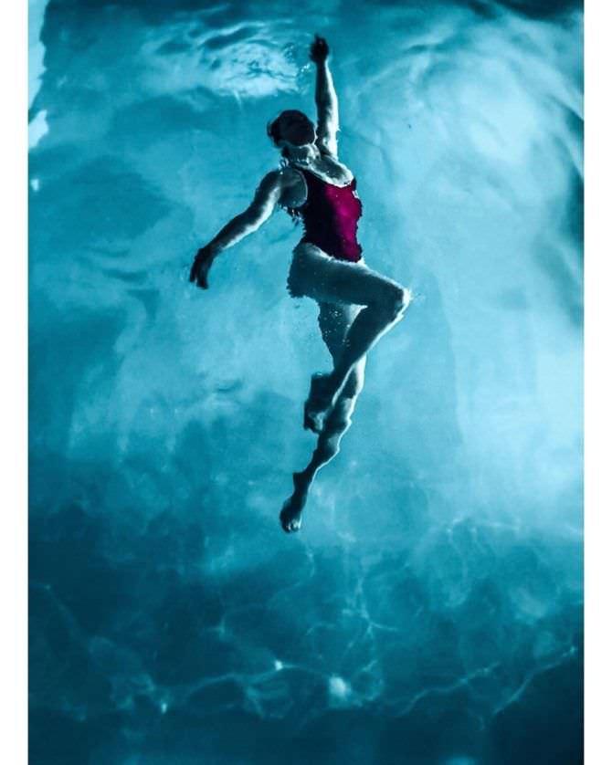 Ксения Лукьянчикова фотография в бассейне