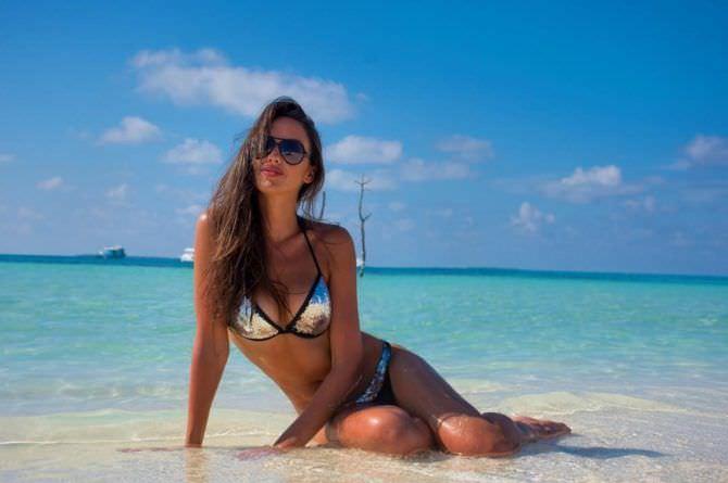 Татьяна Храмова фото на фоне моря