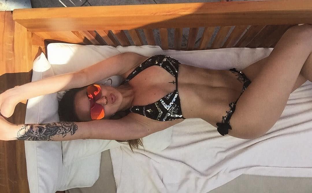 Анна Дзюба фото в очках