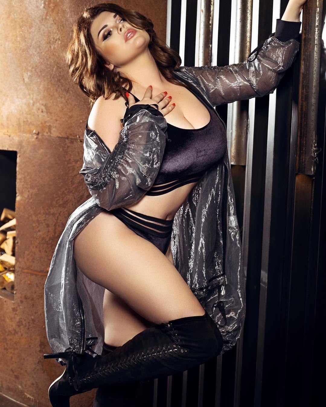 Юлия Рыбакова фото в белье