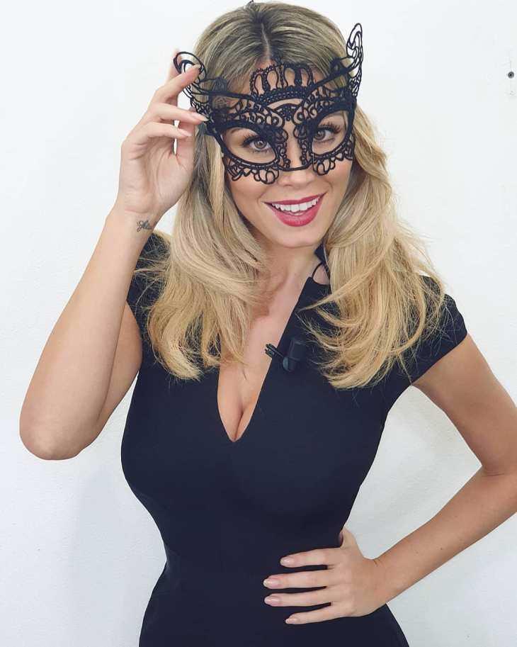 Дилетта Леотта фото в маске
