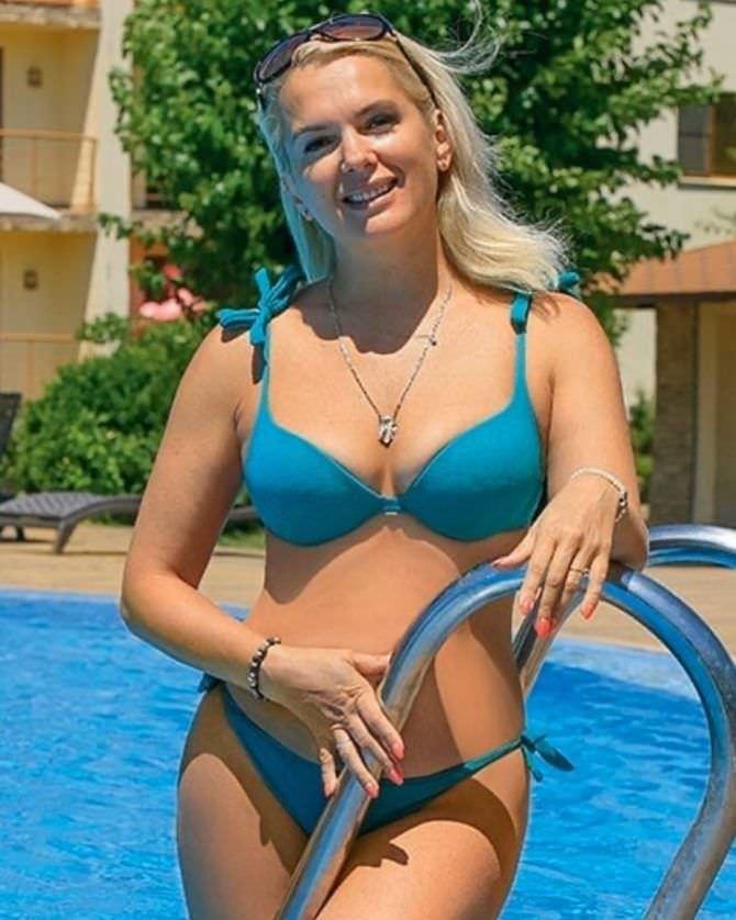 Мария Порошина фотография в синем бикини