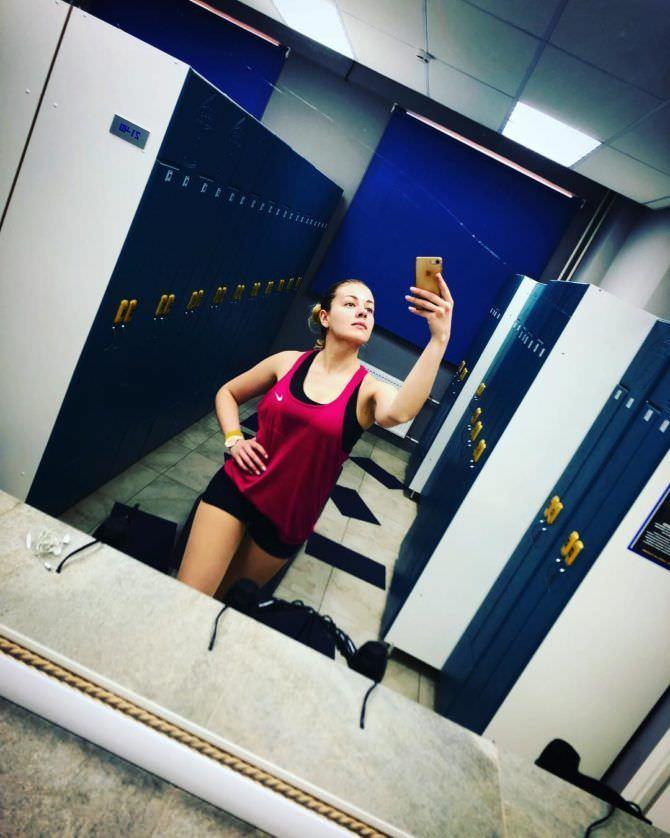 Олеся Фаттахова фото в спортивных шортах