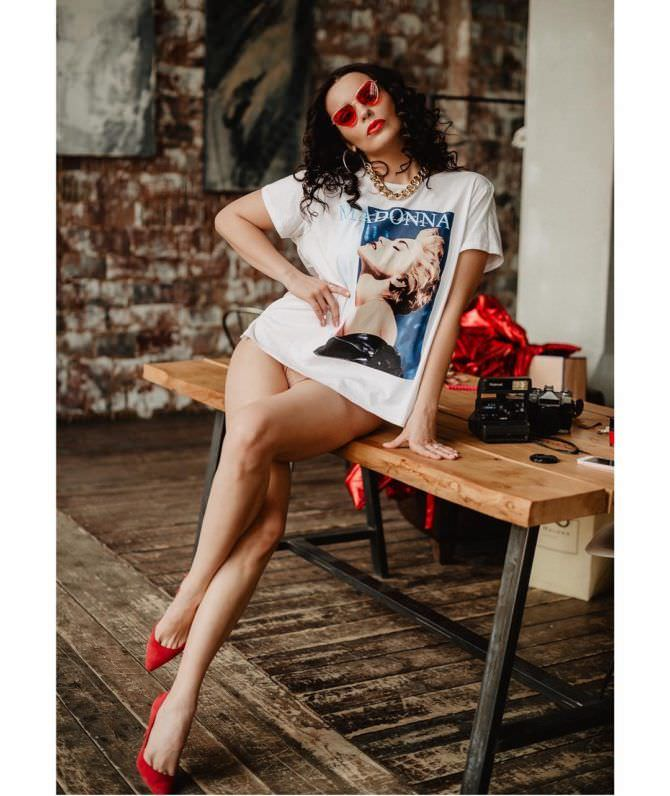 Ксения Лукьянчикова фото в футболке с рисунком