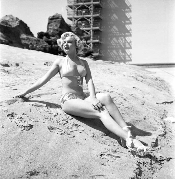 Мэрилин Монро красивая фотосессия на пляже