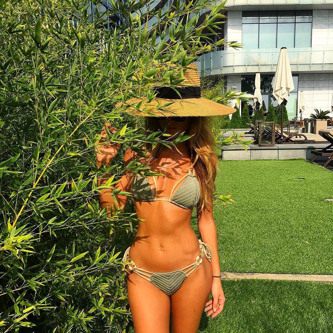 Тамара Турава фото в кустах